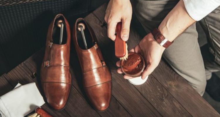 pantofi pentru îngrijirea pantofilor