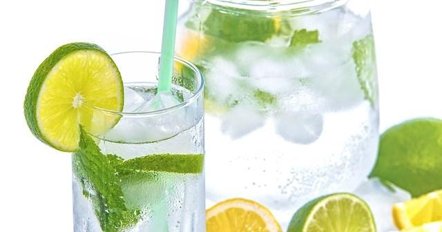 detoxifiere cu apa si lamaie
