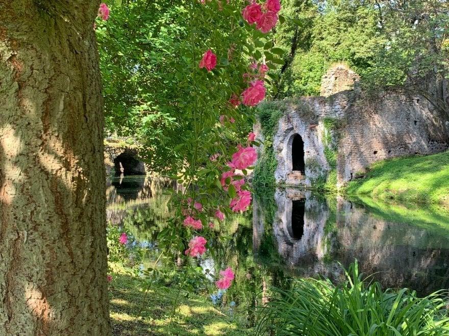 giardini ninfa 2020)