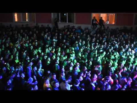 Viața Bate Filmul (Testo) - Paraziții feat. Bitză - MTV Testi e canzoni